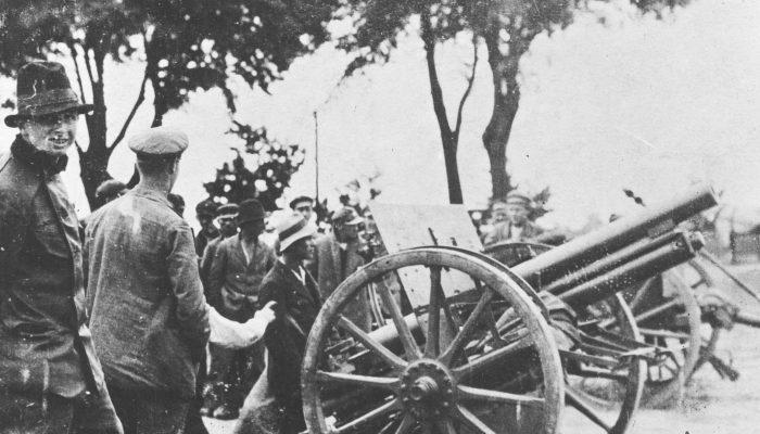 III powstanie śląskie - bateria powstańcza na pozycji ogniowej pod Sławięcicami.